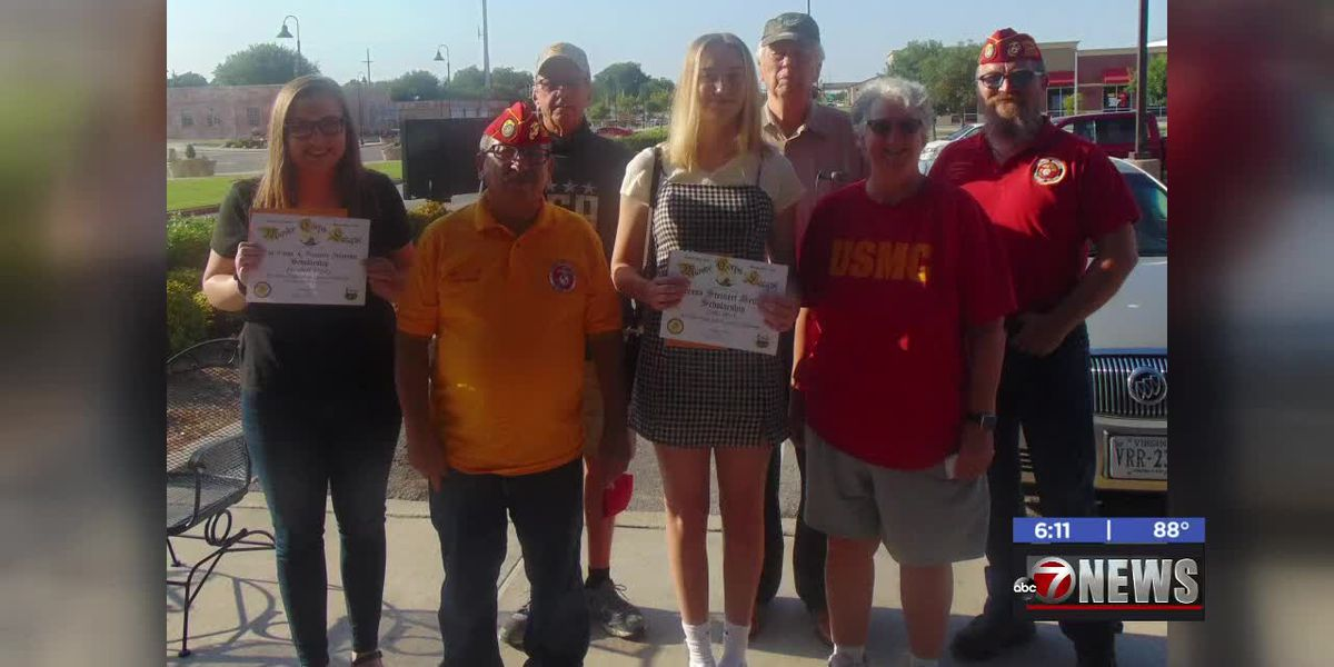 The Lawton Marine Corps League gave out scholarships to two Southwest Oklahoma seniors this week.