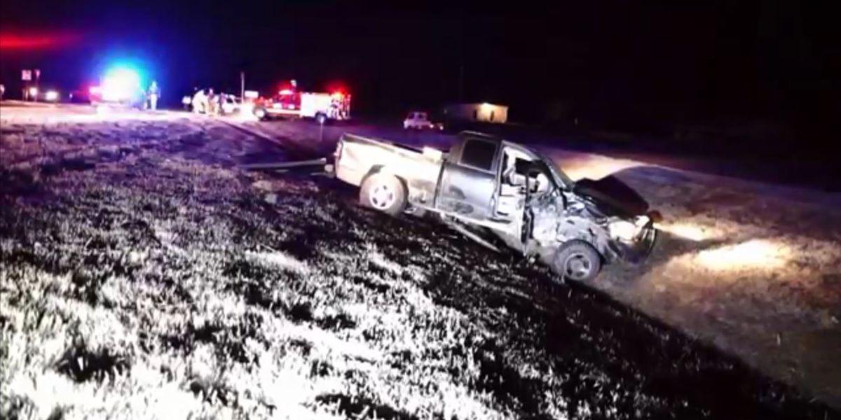 2 hurt in crash in Jackson County