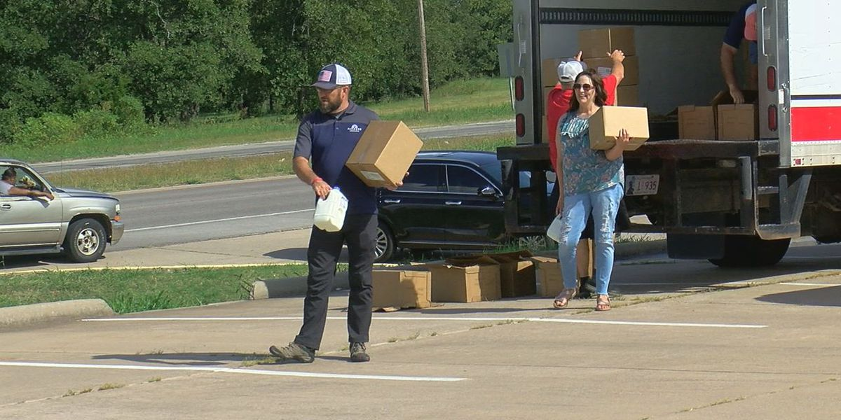 Boxes of food, milk given to Duncan residents in need