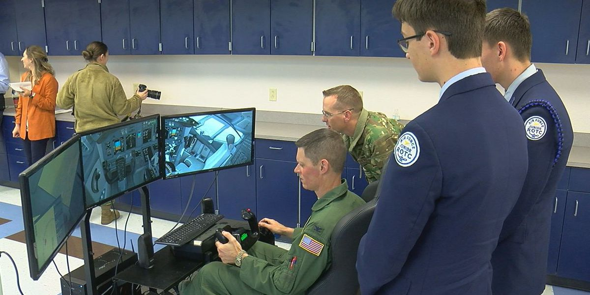 Altus first public school in America to get new Air Force STEM flight simulators
