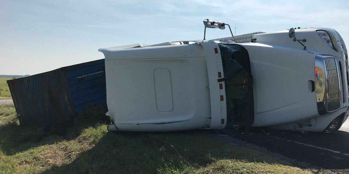 UPDATE: Tractor trailer overturns near Lawton landfill