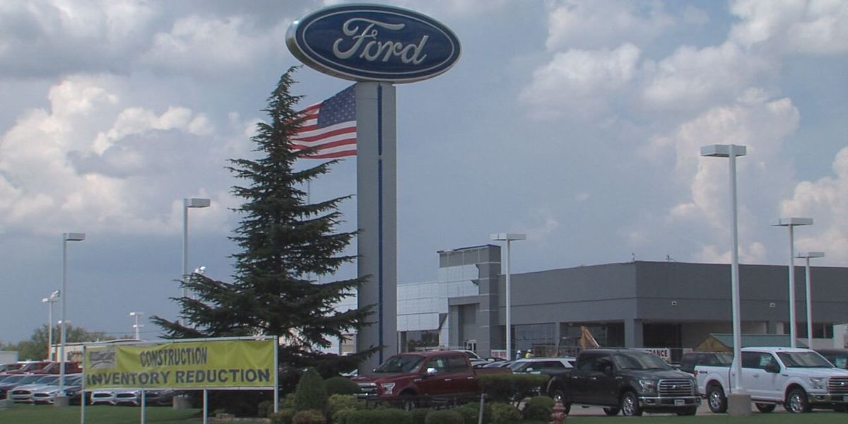 Lawton car dealership hit by thieves