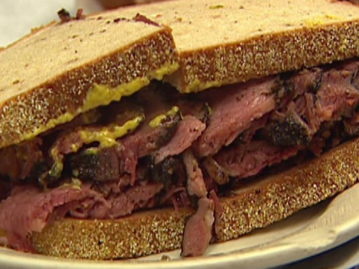 Death in Florida linked to deli meat in multistate listeria outbreak