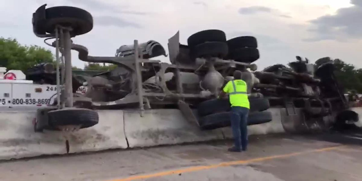 Commercial Vehicle rolls over on I-44, closing lanes