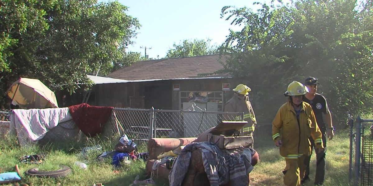 Family escapes from house fire
