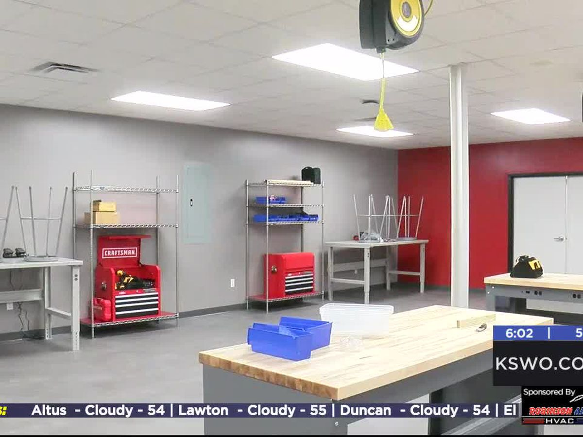 Duncan High School hosts open house for STEM Lab