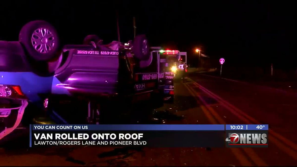 Crews respond to two Rogers Lane wrecks