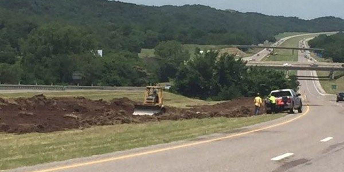 Emergency crossover lane being built around I-35 rock slide