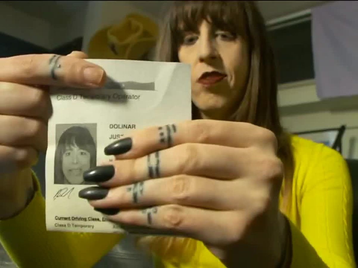 Transgender woman says she was forced to remove makeup for her driver's license photo