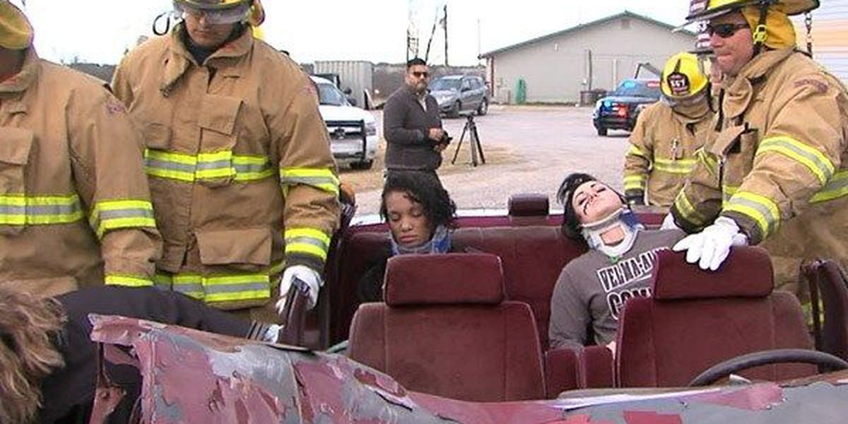 Mock wreck unfolds before students' eyes