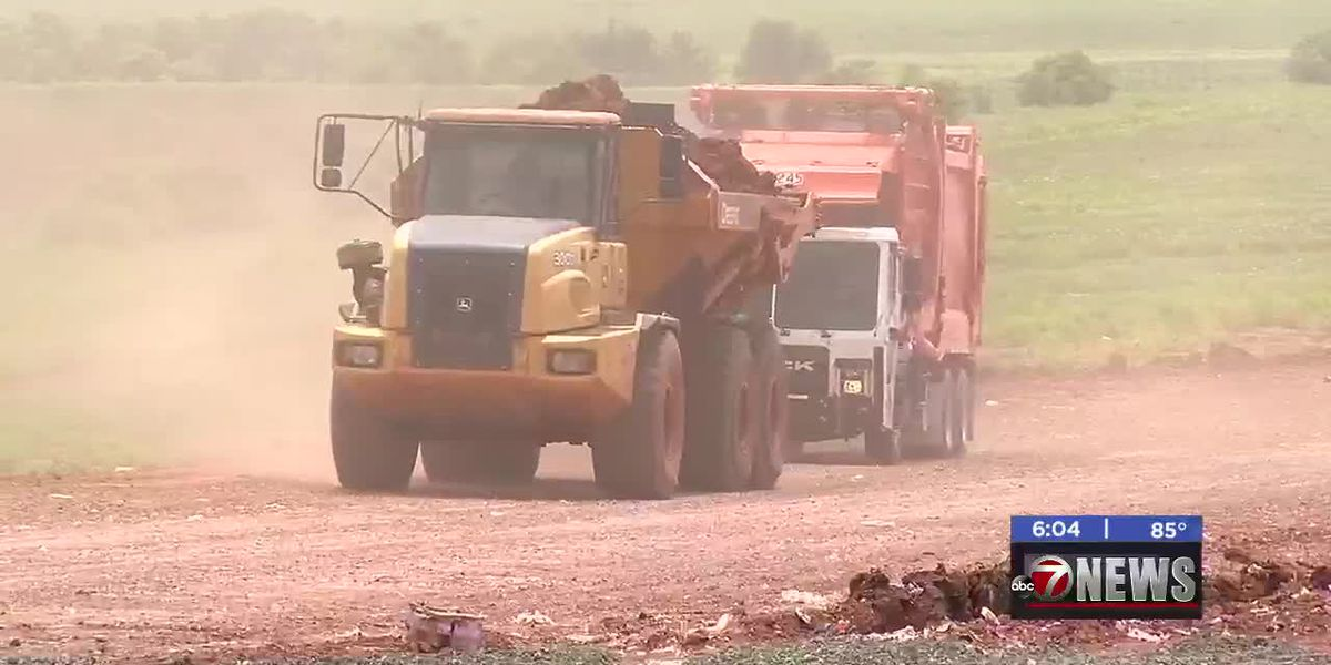 City of Lawton prepares landfill roads for severe weather