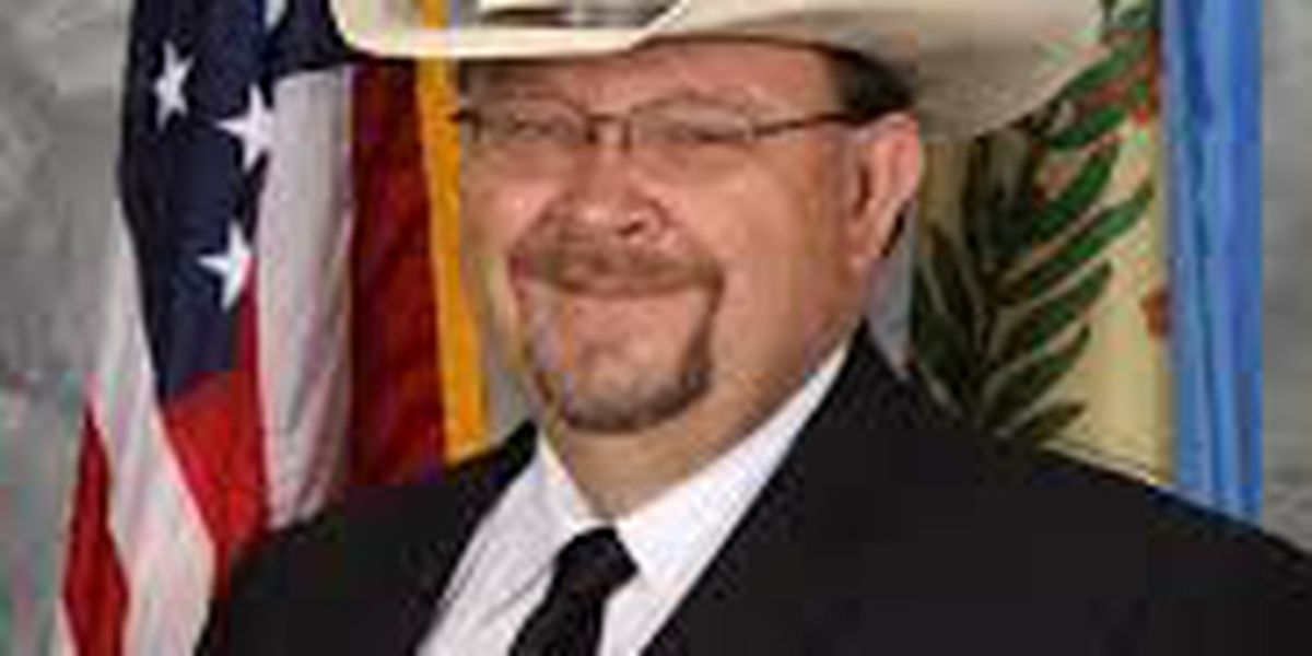 Oklahoma sheriff indicted in inmate's death remains on job