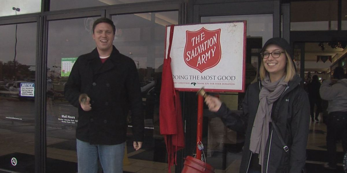 """7News team helps """"ring the bell"""" for Salvation Army"""