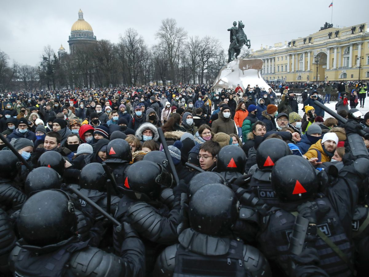 3,000 arrested at protests demanding Navalny's release