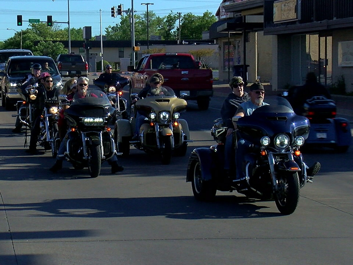 Main Street Duncan hosts poker run and car show