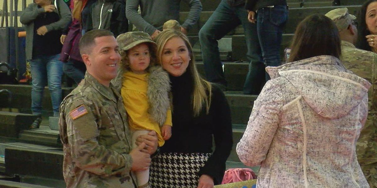 300 soldiers reunite with family at uncasing ceremony on Ft. Sill