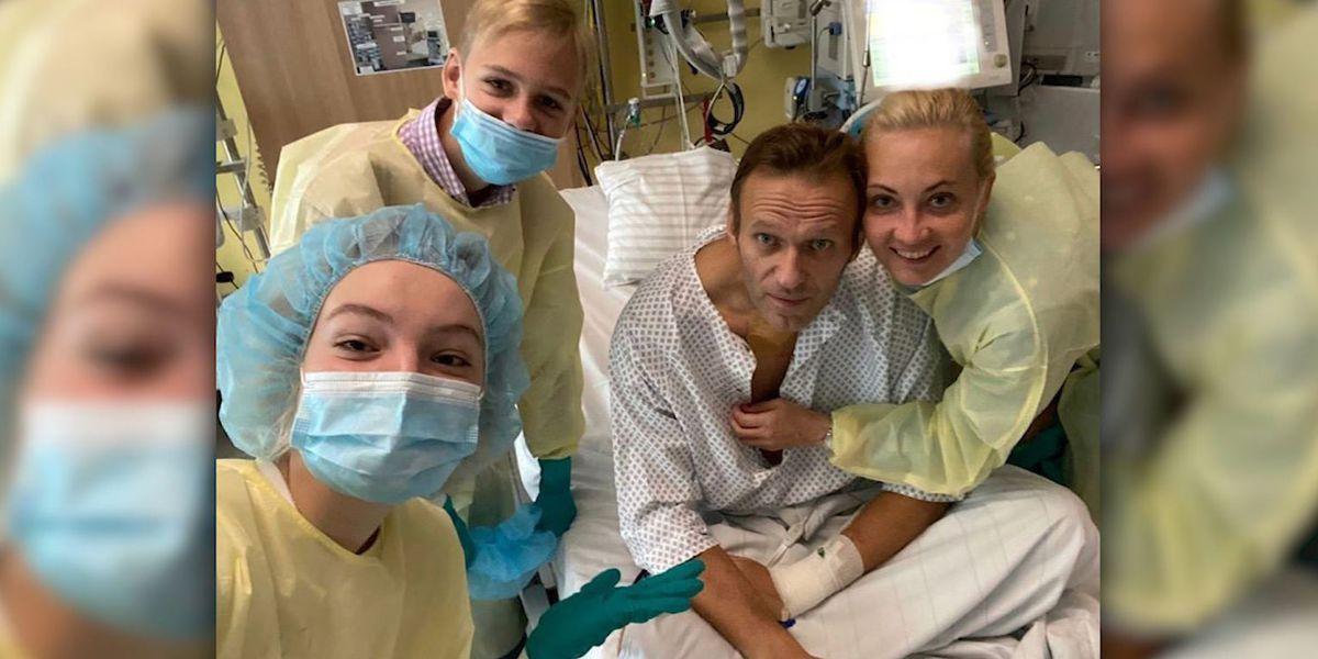 Navalny posts hospital photo of himself, plans Russia return