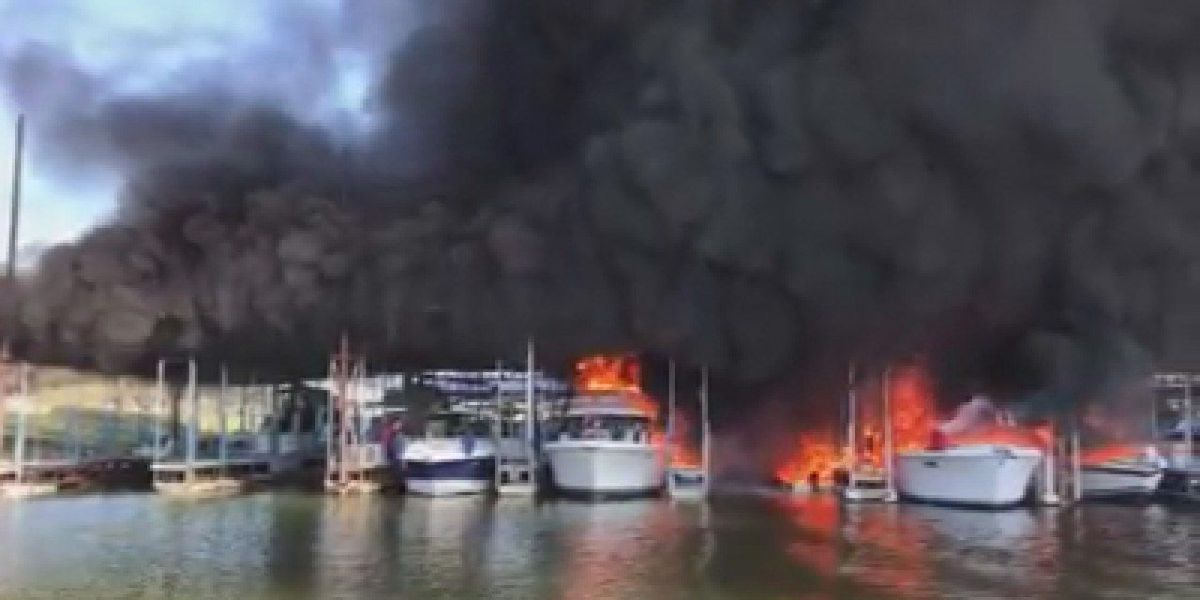 Fire destroys several boats at marina on Lake Texoma