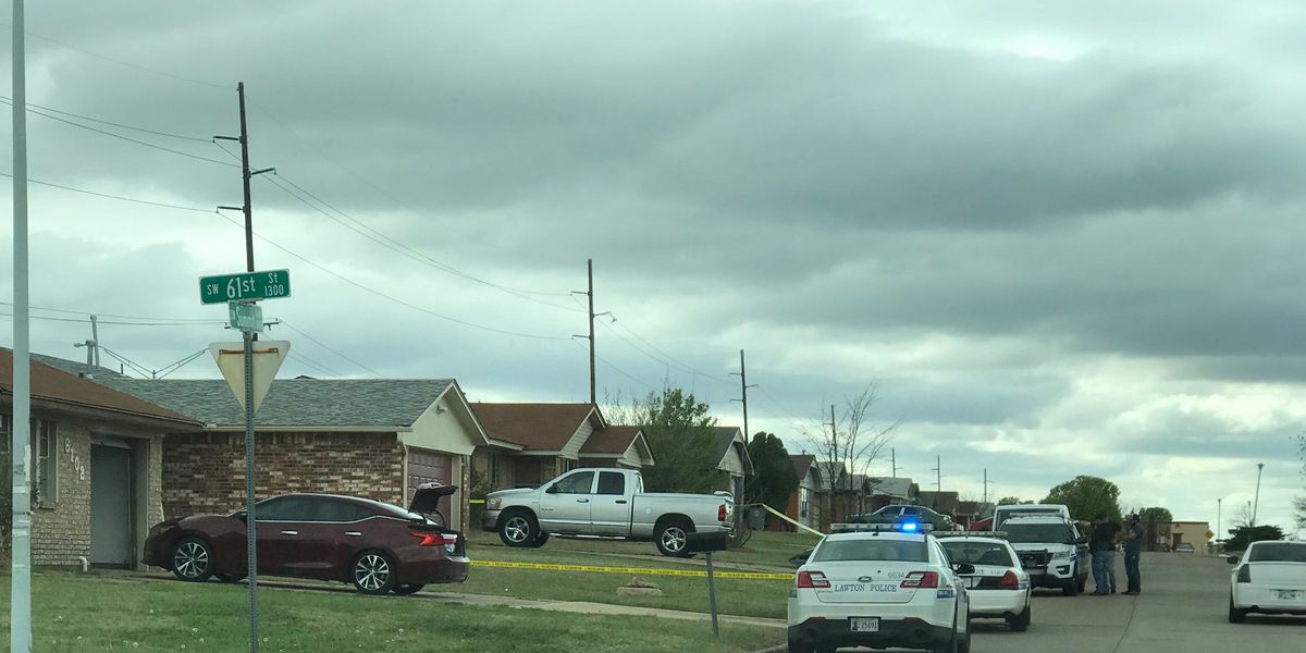 Shooting victim shows up at Lawton hospital, nearby home taped off