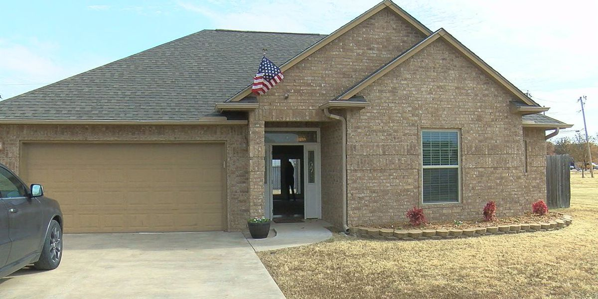 Veteran and family receive home in Walters from national nonprofit