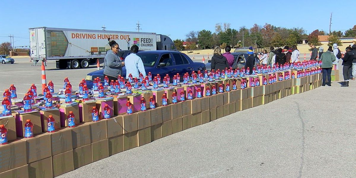 Feed the Children spreads holiday cheer with food