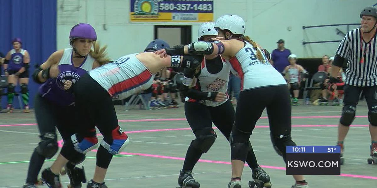 Fans cheer on 580 Rollergirls at first home game of the season