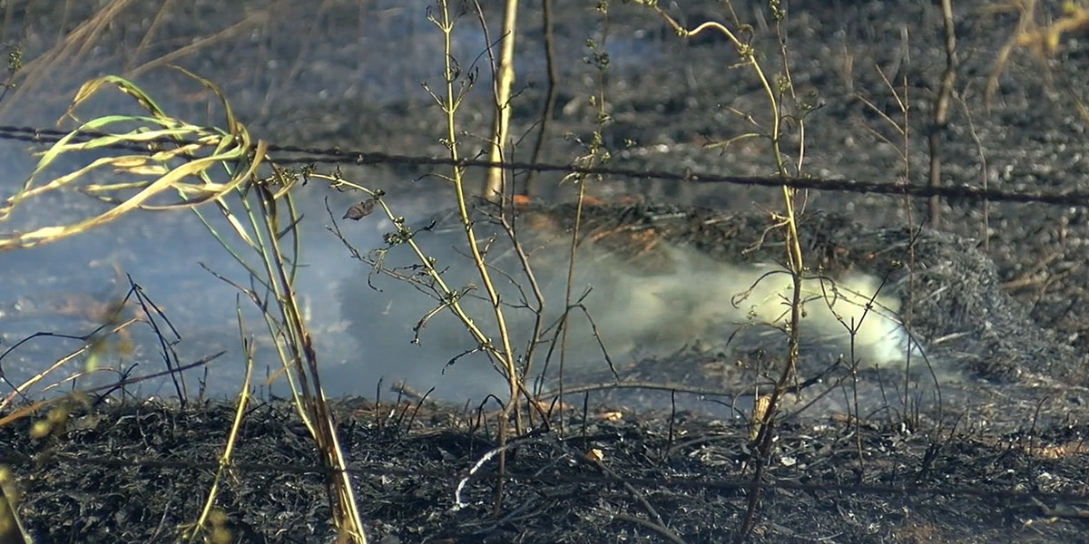 Tractor sparks grassfire in eastern Comanche County