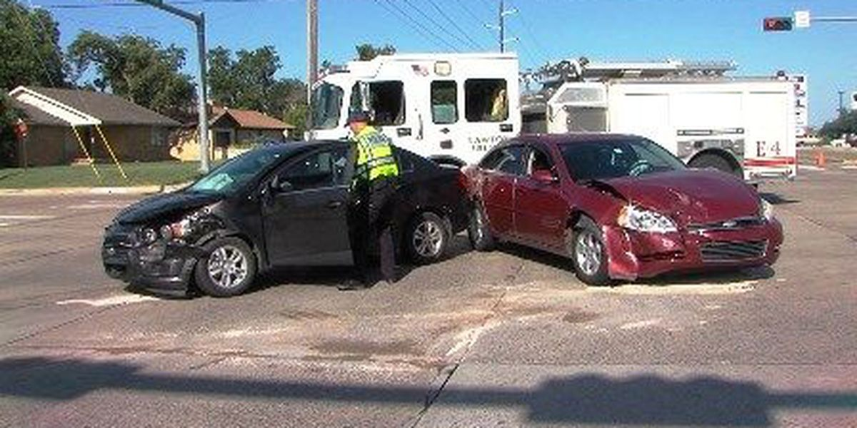 2-car accident shuts down intersection