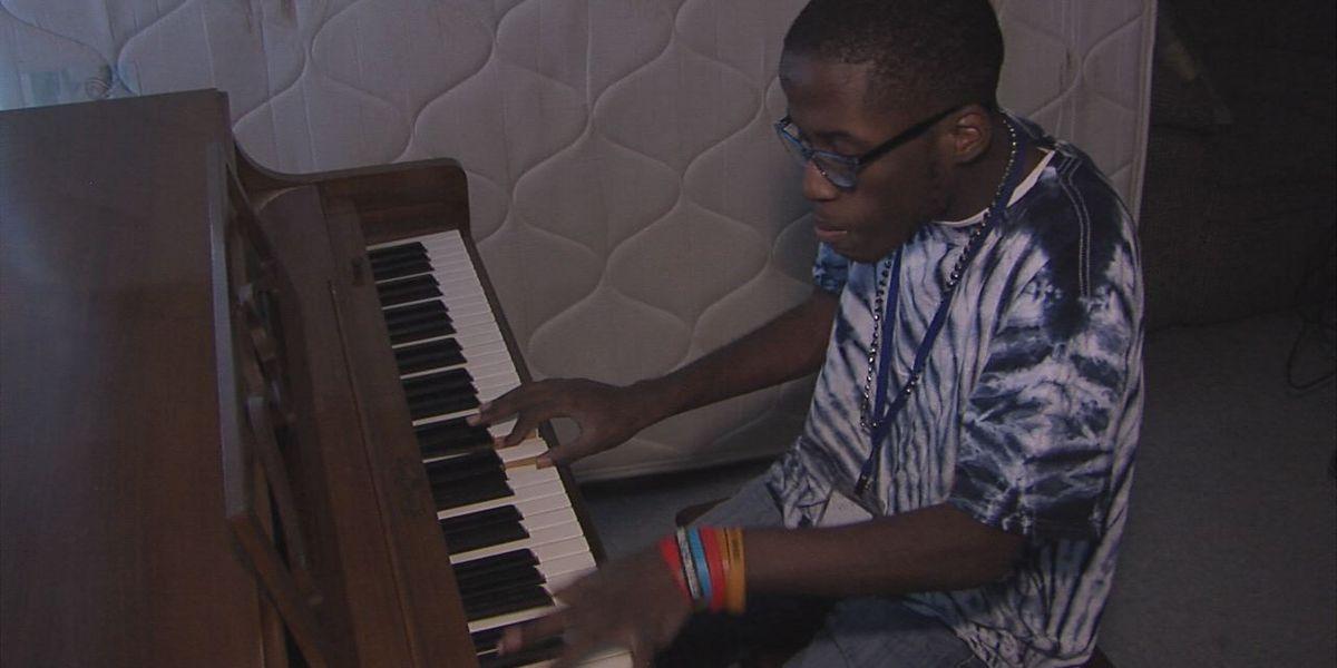 7NEWS viewer donates piano to Lawton prodigy