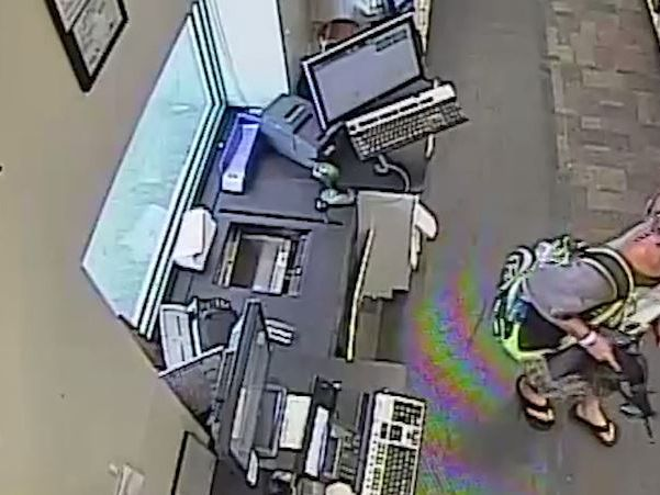 Robber with rifle jumped FL pharmacy counter, demanded drugs, police say
