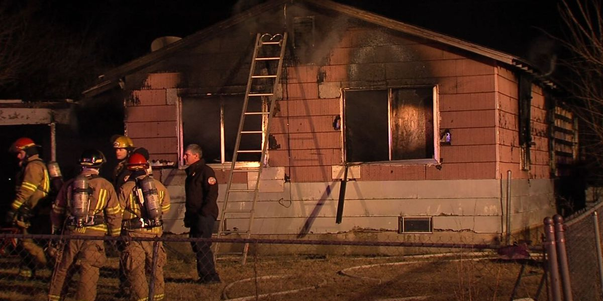 Fire destroys south Lawton home