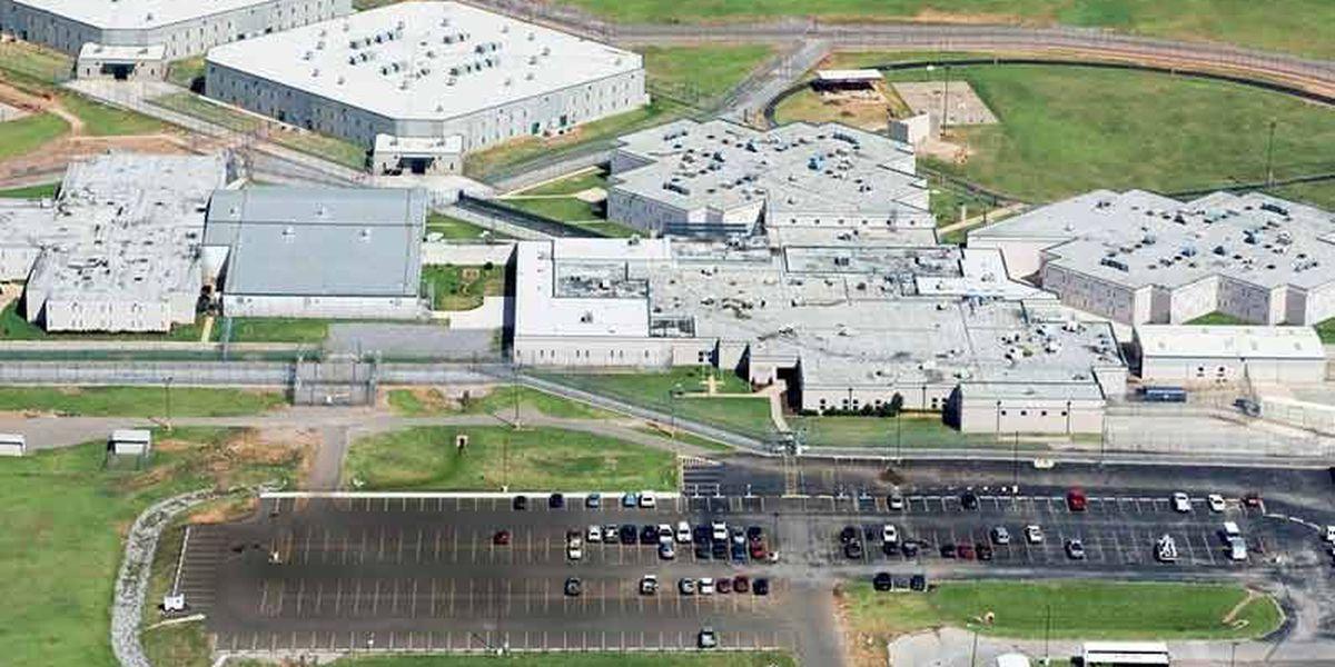 Inmates take 2 guards hostage in Oklahoma prison riot