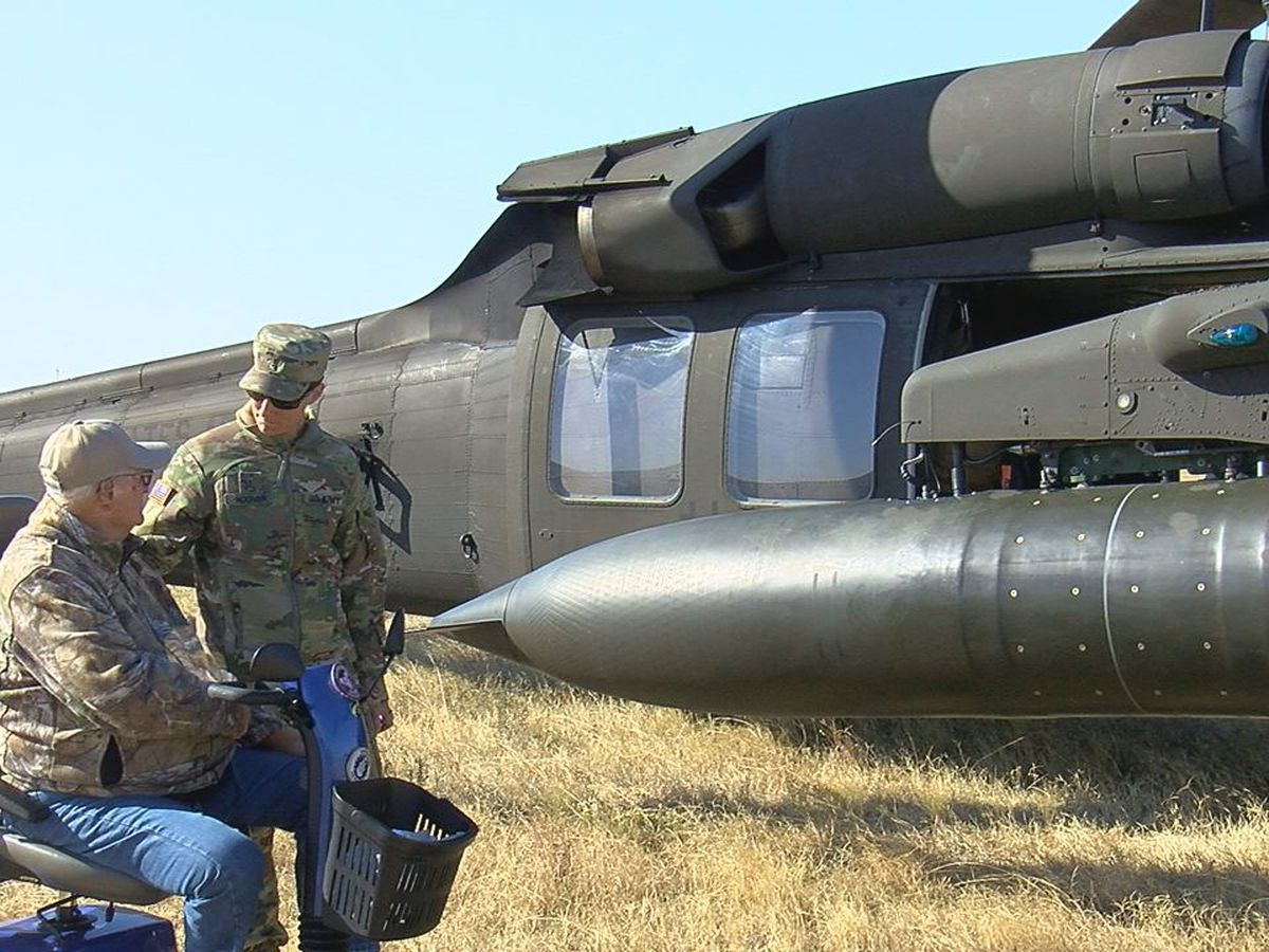 Helicopters, service members spend day with Lawton veterans