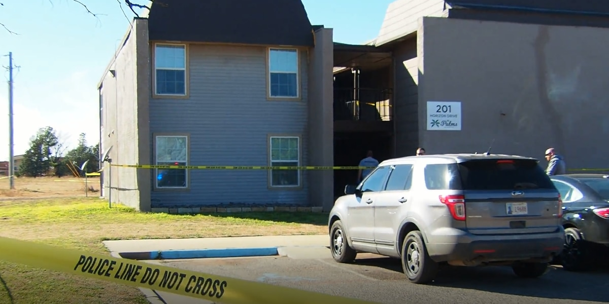 Police investigate body found at Altus apartment complex