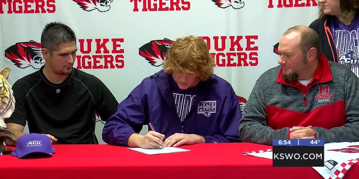 Duke's Richardson signs with Abilene Christian