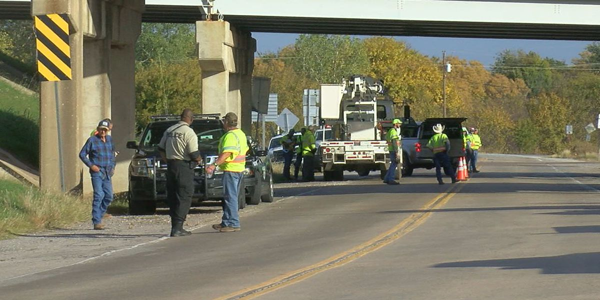 Driver crashes semi-truck into I-44 bridge over State Highway 49