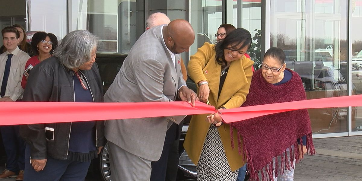 New owners celebrate re-grand opening of Lawton business