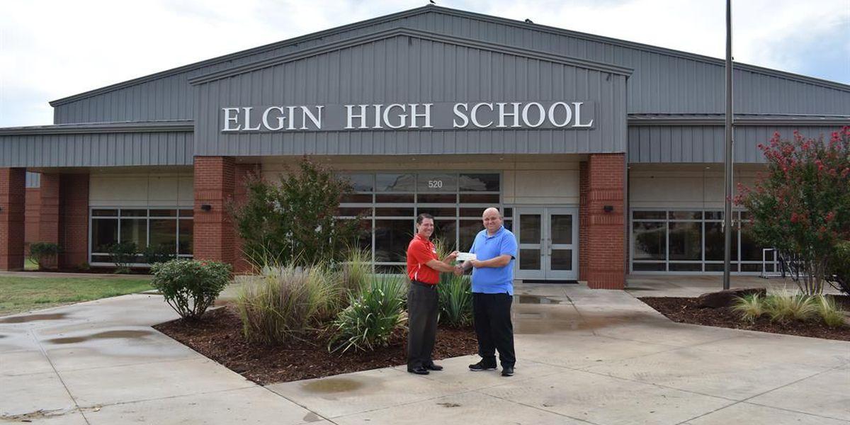 Hilliary Communications donates $1K to Elgin Public Schools