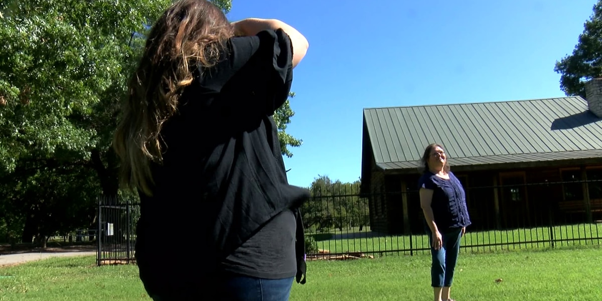 Survivor, photographer helps those affected by cancer through her lens