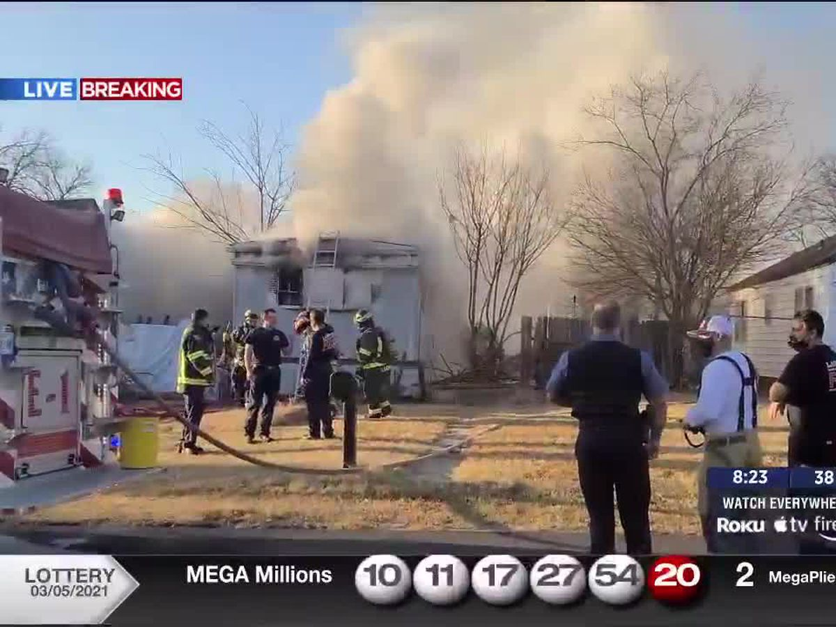 Firefighters battle Saturday morning structure fire in Lawton
