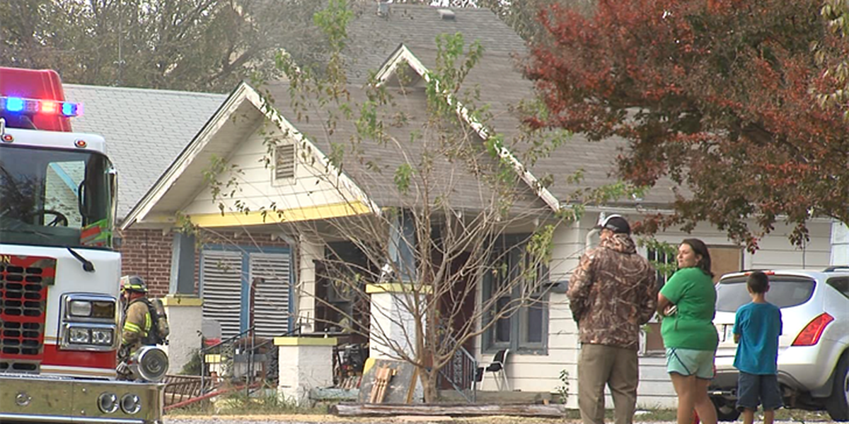 Lawton family loses home in afternoon fire