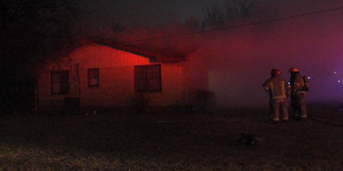 Cooking fire forces residents from Lawton home