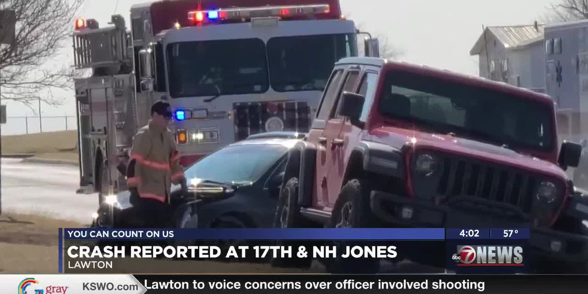 Minor injuries after wreck in Lawton