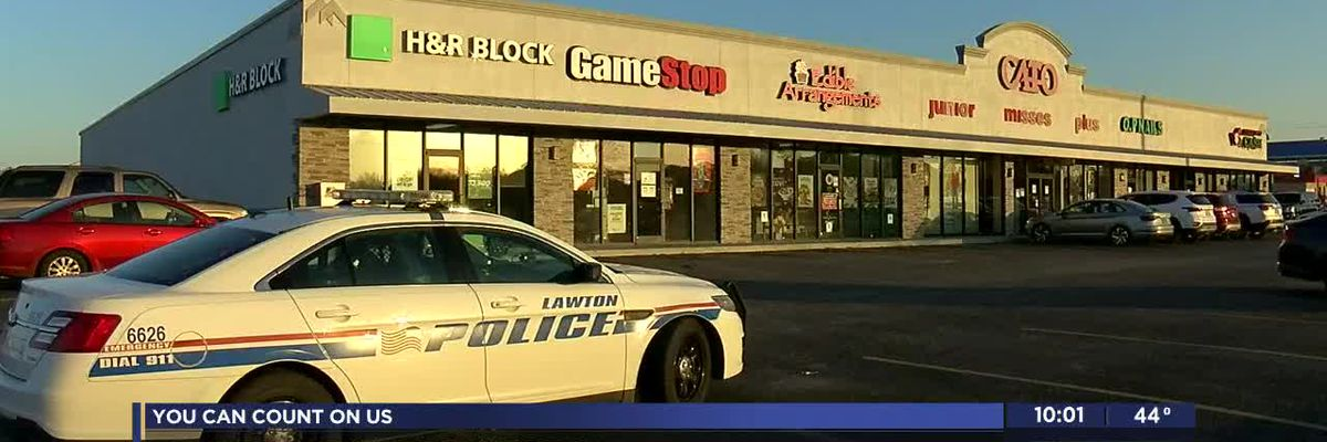 Lawton police looking for suspect in Gamestop robbery