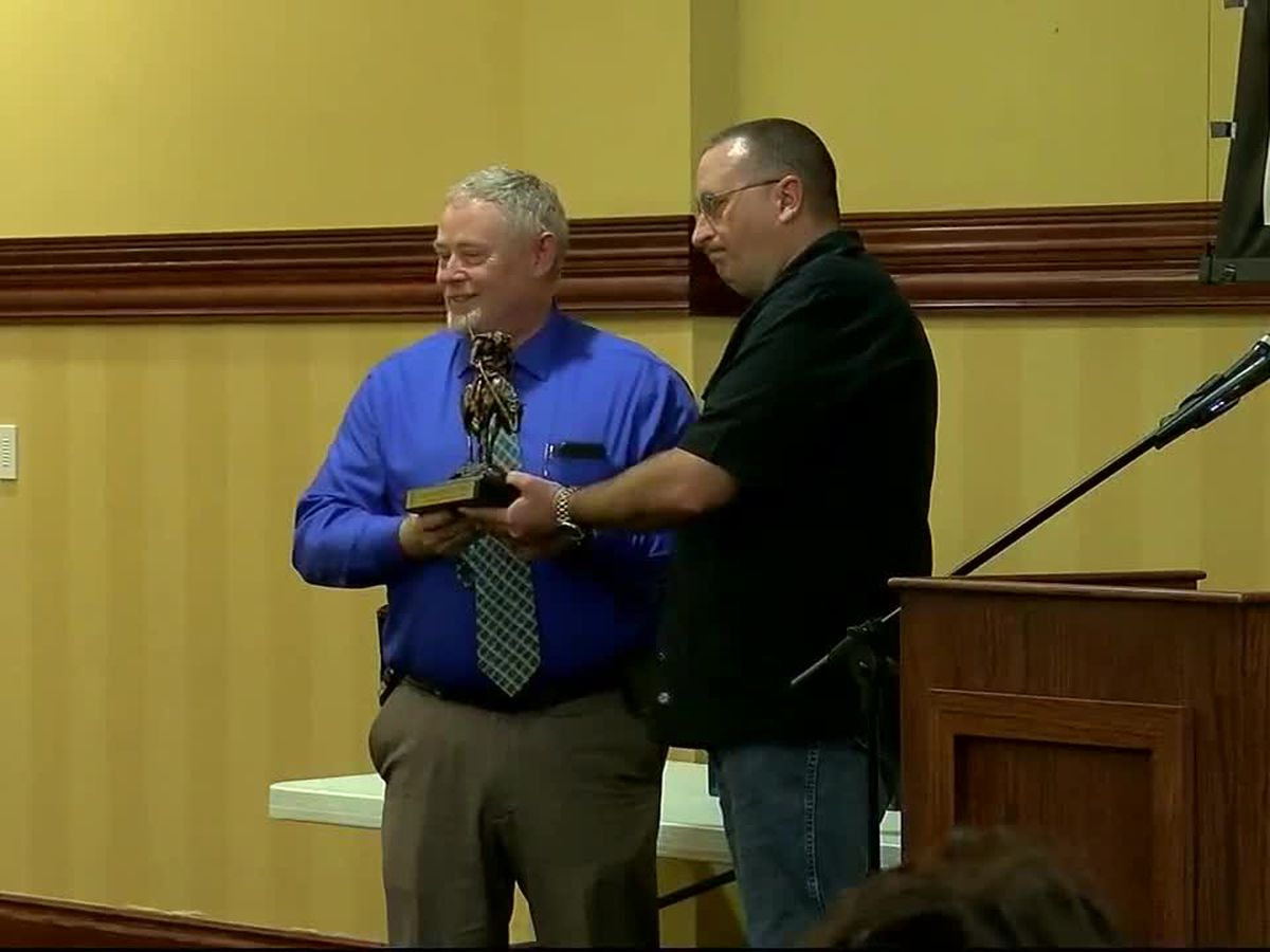 Retirement ceremony held for Lawton's assistant police chief
