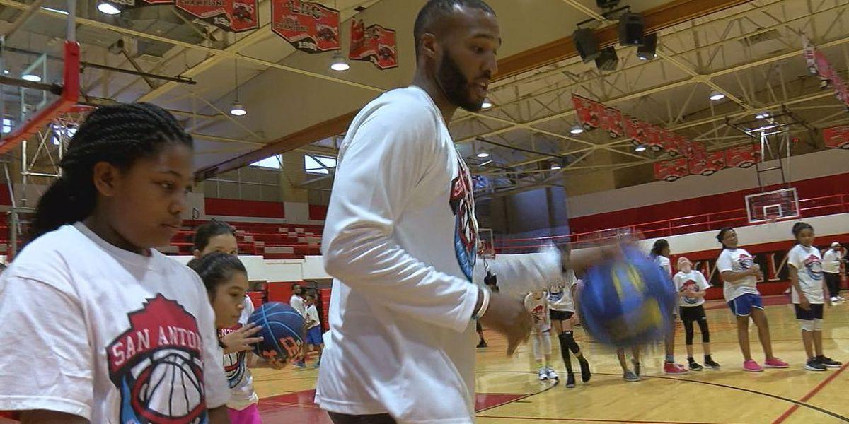 Former Lawton basketball player hosts camp