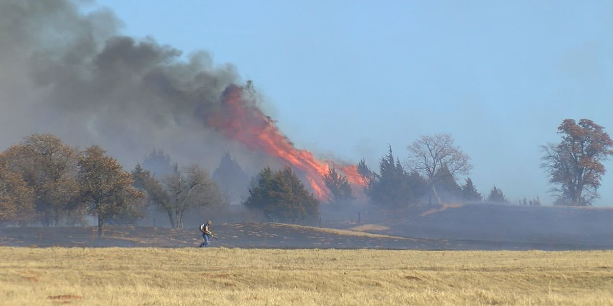 Crews fight grass fire north of Sterling