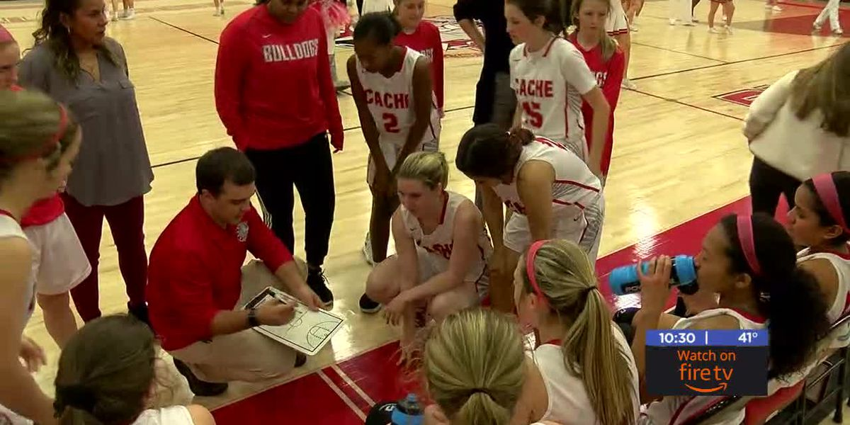 Cache sweeps first meeting with Elgin