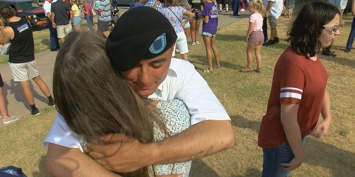 Basic trainees on Fort Sill reunited with families