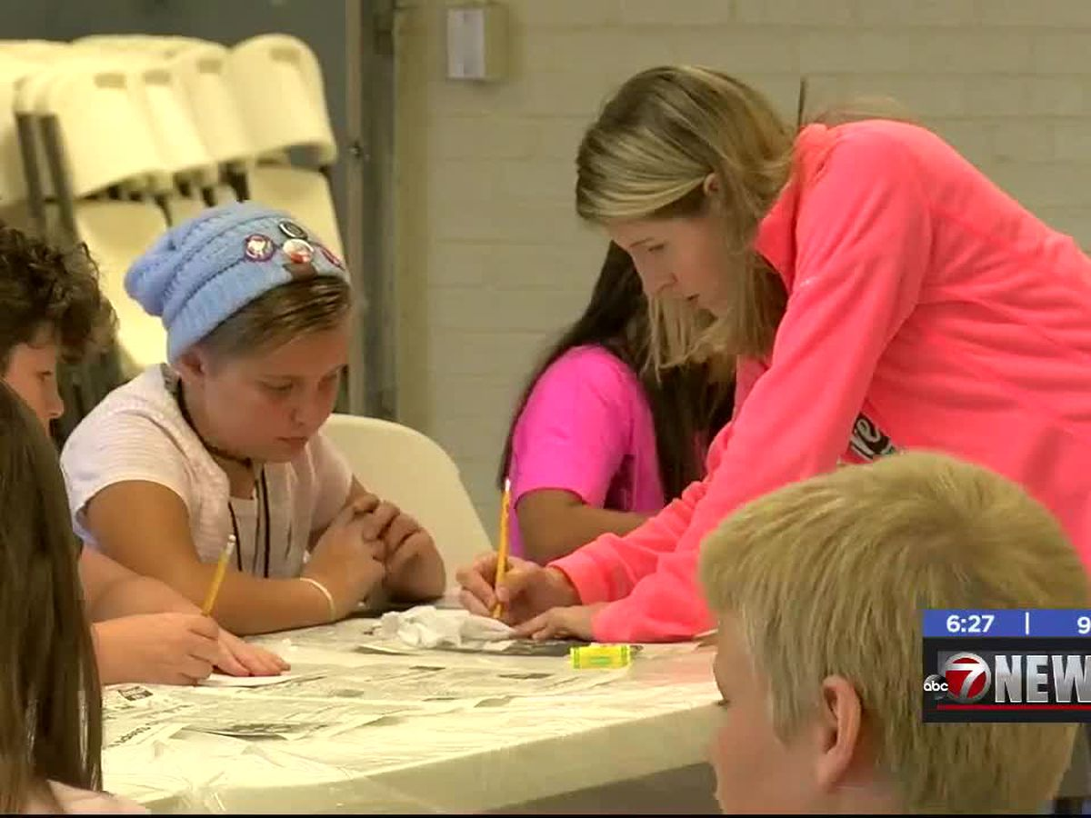 Duncan kids learn arts and crafts at annual Arts Explosion
